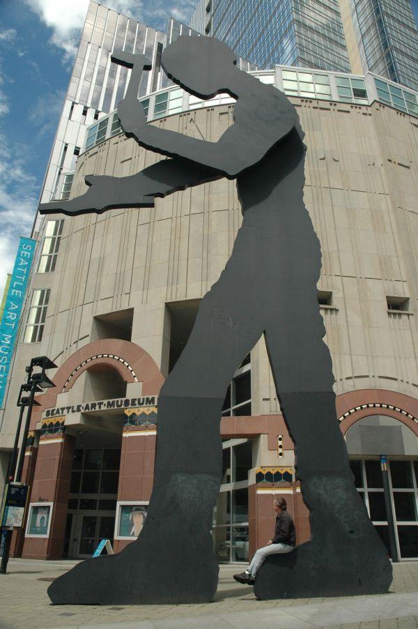 Seattle Art Museum Hammering Man
