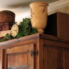 Greenery Above Kitchen Cabinets Silver Cabinet Knobs Great Idea For Decorating The Empty Space An Armoire ...