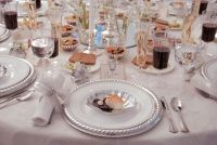Disposable China for Wedding Receptions