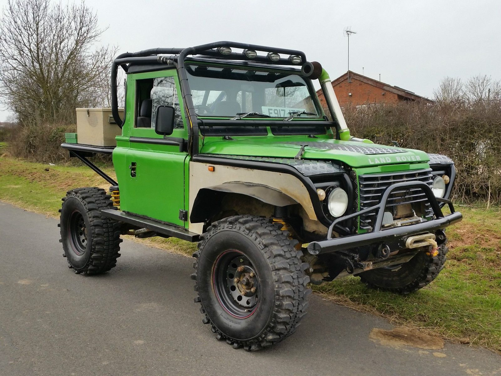 Land rover defender 90 tray back challenge truck stunning