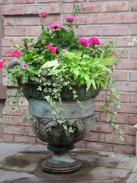 Building A Dream House Front Porch Container Gardens Urn