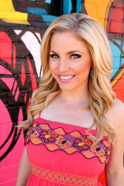 Kristen Keogh Trendsetter AnchorReporter For Fox 10 News
