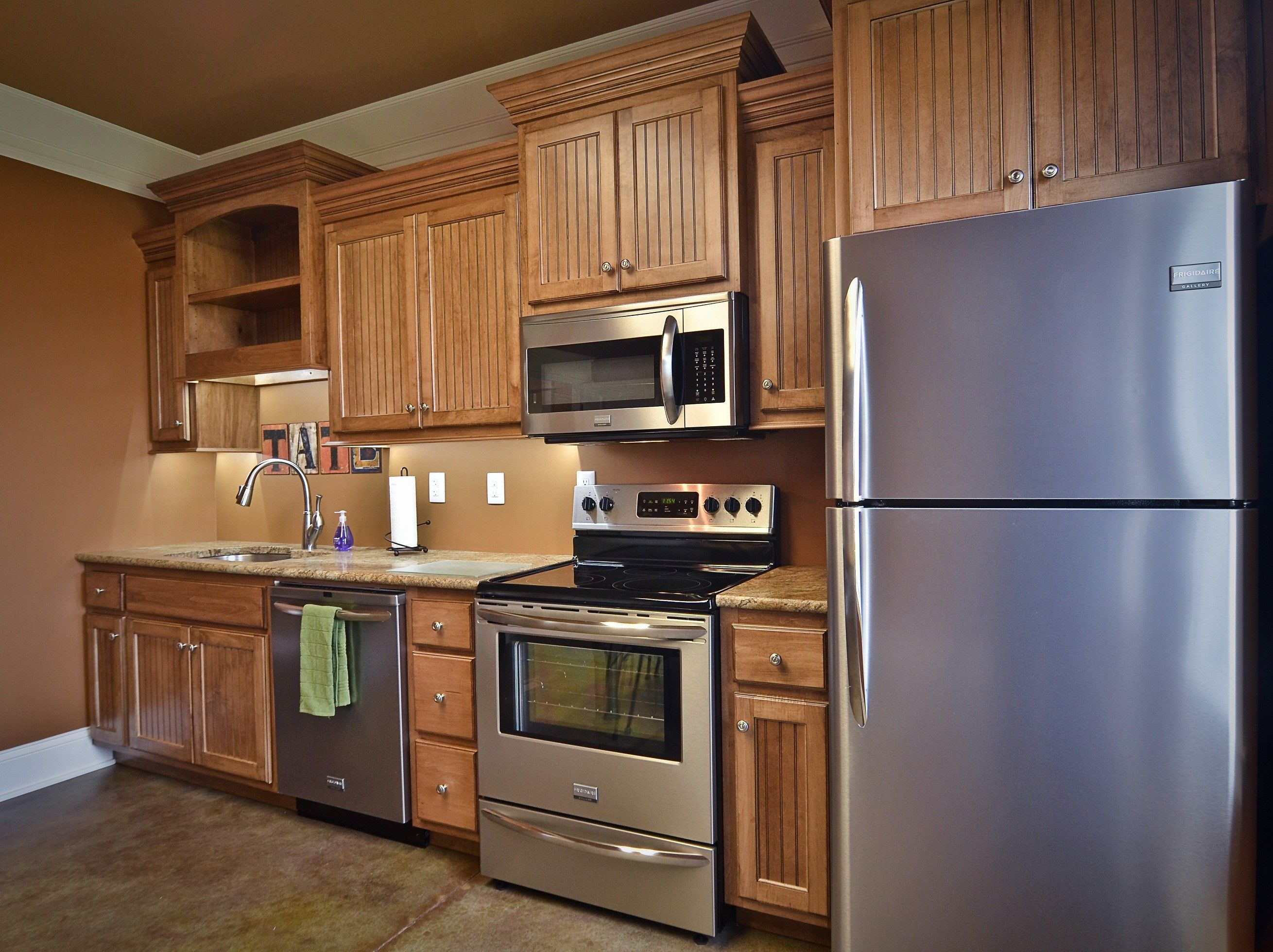 best wood stain for kitchen cabinets exhaust fan lowes simple glaze maple with coffee brown