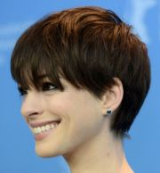 of short layered hairstyles