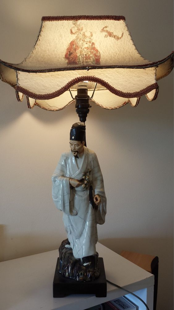ANTIQUE CHINESE FIGURINE Lamp... from a deceased Estate