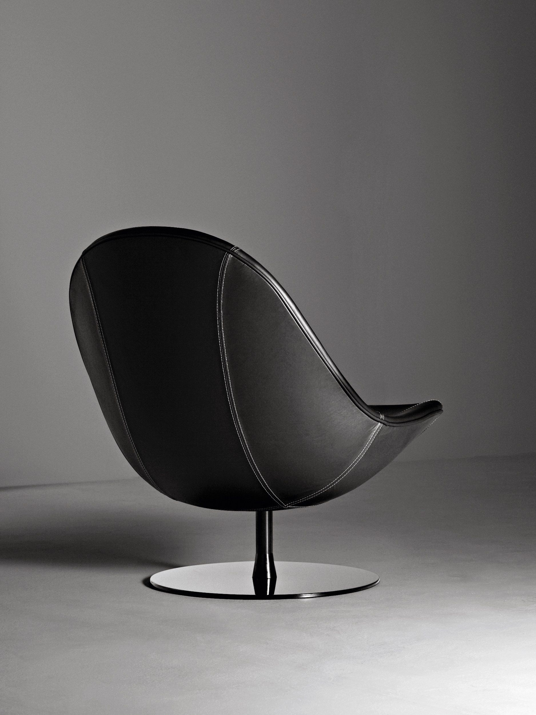 Men In Black Egg Chair Swivel Leather Armchair Dolce Vita By La Cividina Lounge