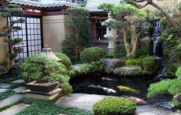 kunstliches teich und skulpturen aus stein fur ein luxus garten, Garten und bauen