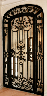 love this iron door w/ cross Old World, Mediterranean