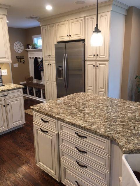 Waypoint Living Spaces Cabinetry 720F Hazelnut Glaze
