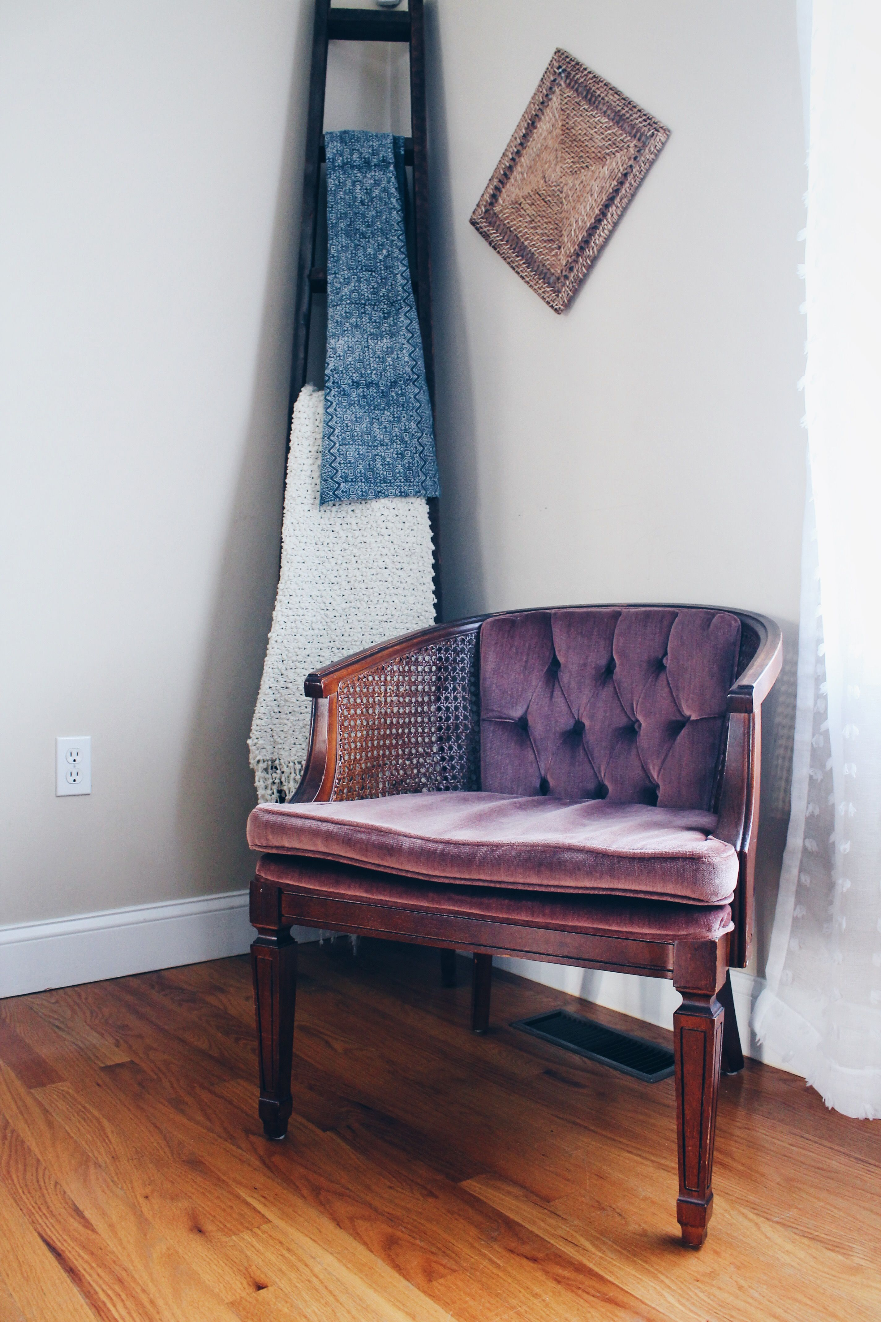 pink accent chair home depot adirondack broyhill barrel back velvet