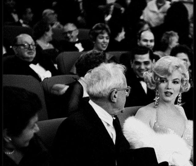 Part Ii Marilyn Et Miller Se Rendent A La Premiere