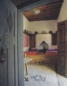 Inside greek homes random pops of color in neutral rustic very pretty also brilliantbedrooms see more brilliant bedrooms at http ift rh pinterest