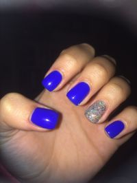 Short acrylic nails, royal blue with sparkle accent ...