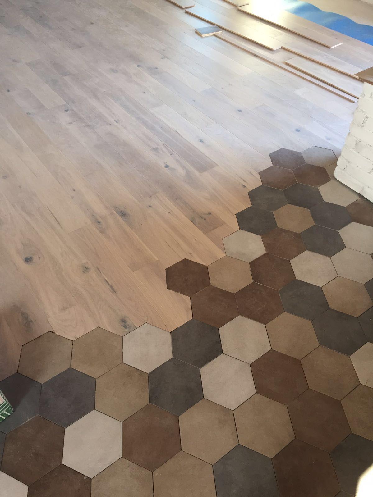 Piastrelle esagonali con parquet pavimenti effetto cementine