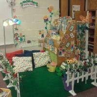 Classroom reading corner {garden theme} | Library Spaces ...