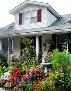 also cottage garden designs we love yards gardens and front rh pinterest