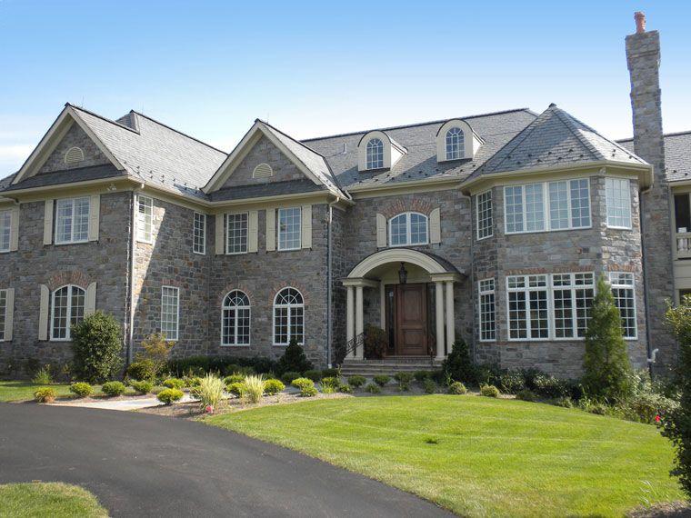 Residential Photo Gallery – Exterior Elegance Stone Veneer