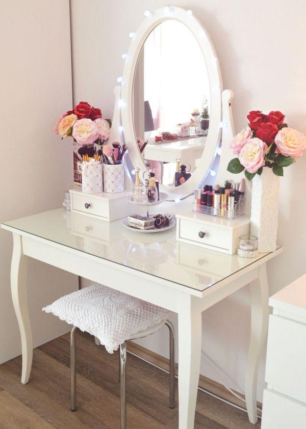Larigancea #vanity #dressingtable #makeup #desk #white #