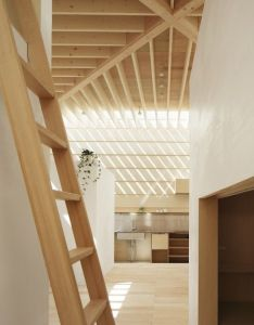Roomonfiredesign   light walls house by ma style architects perimeter skylights throw across  grid of exposed wooden ceiling beams inside this home also  like architecture rh pinterest
