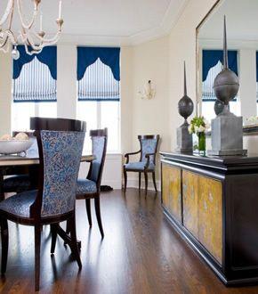 A Dining Room Designed By Melanie Elston Features Niermann Weeks Danieli Chandelier Niermannweeks