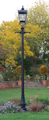 Garden Lamp posts on Pinterest | Lamps, Victorian Lamps ...
