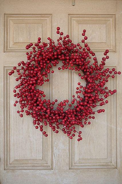 Best 25 Red Berry Wreath Ideas On Pinterest Berry