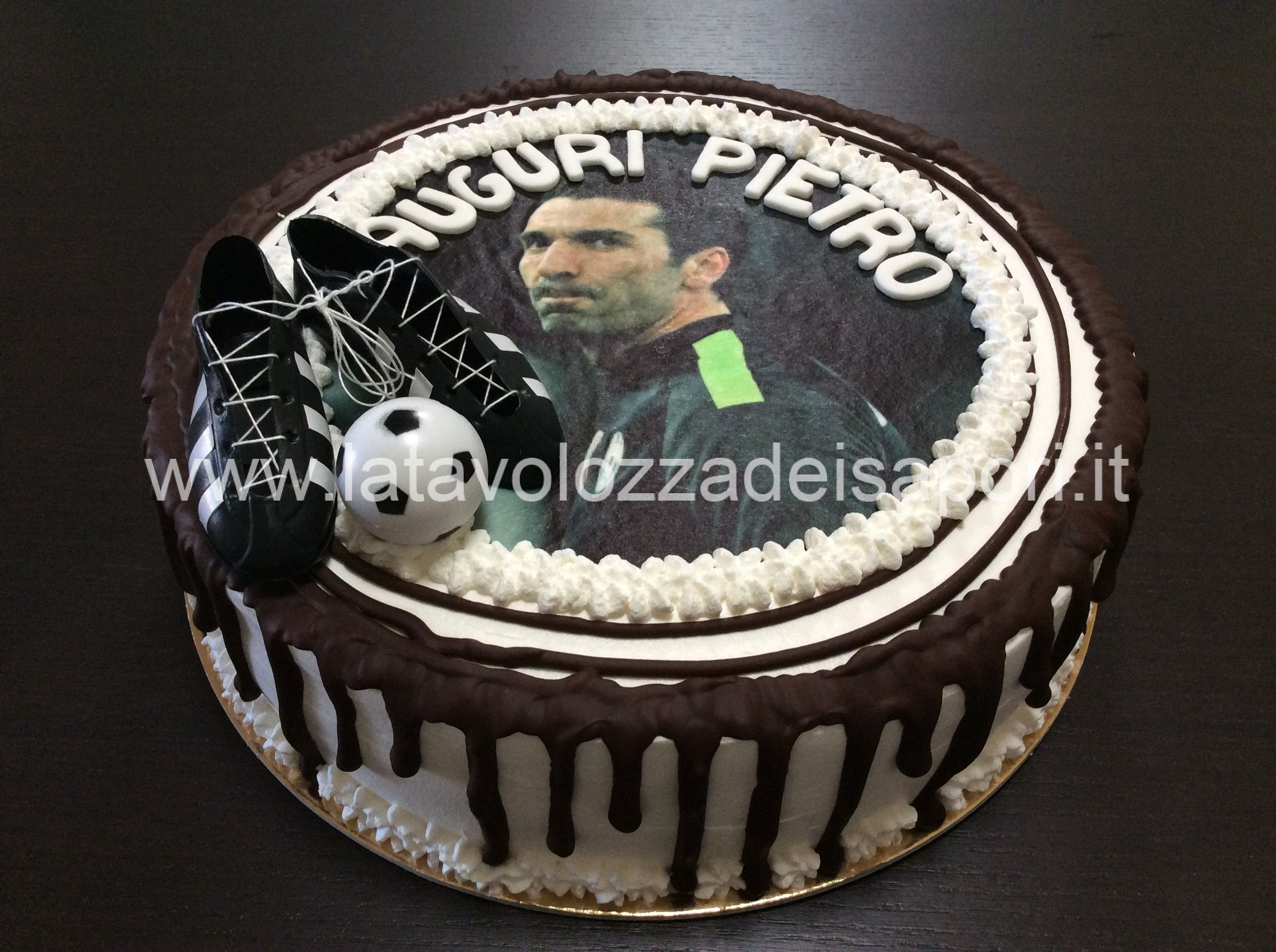 Torta Juventus con Cialda di Buffon httpwww