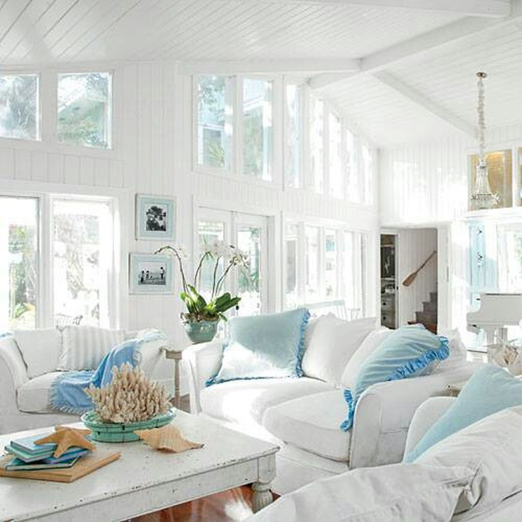 40 Cozy Beach House Decoration Ideas On A Budget Bord