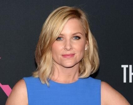 Jessica Capshaw Jessica Capshaw Pinterest Her Hair Bobs And