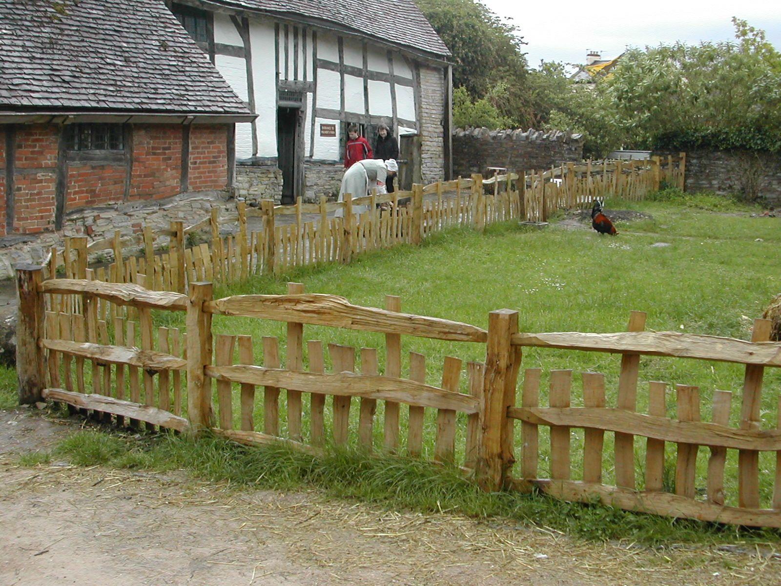Rustic Garden Fence Ideas