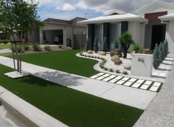synthetic grass front yard design