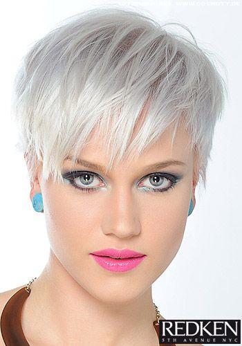 Fransiger Short Cut In Platin Blond Pixie Frisuren Pinterest