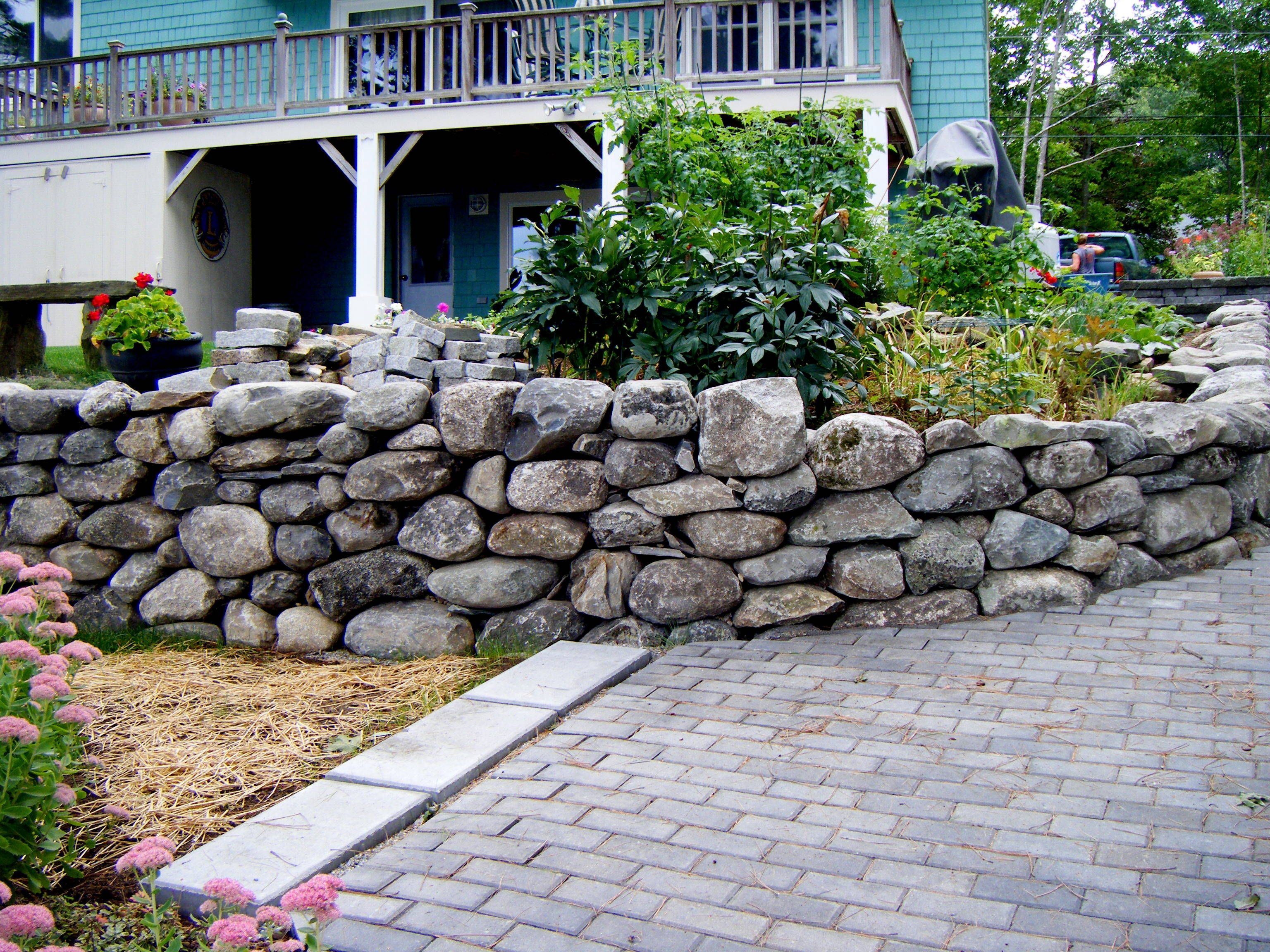 Rock Walls For The Ages Choosing The Right Stone Rocks