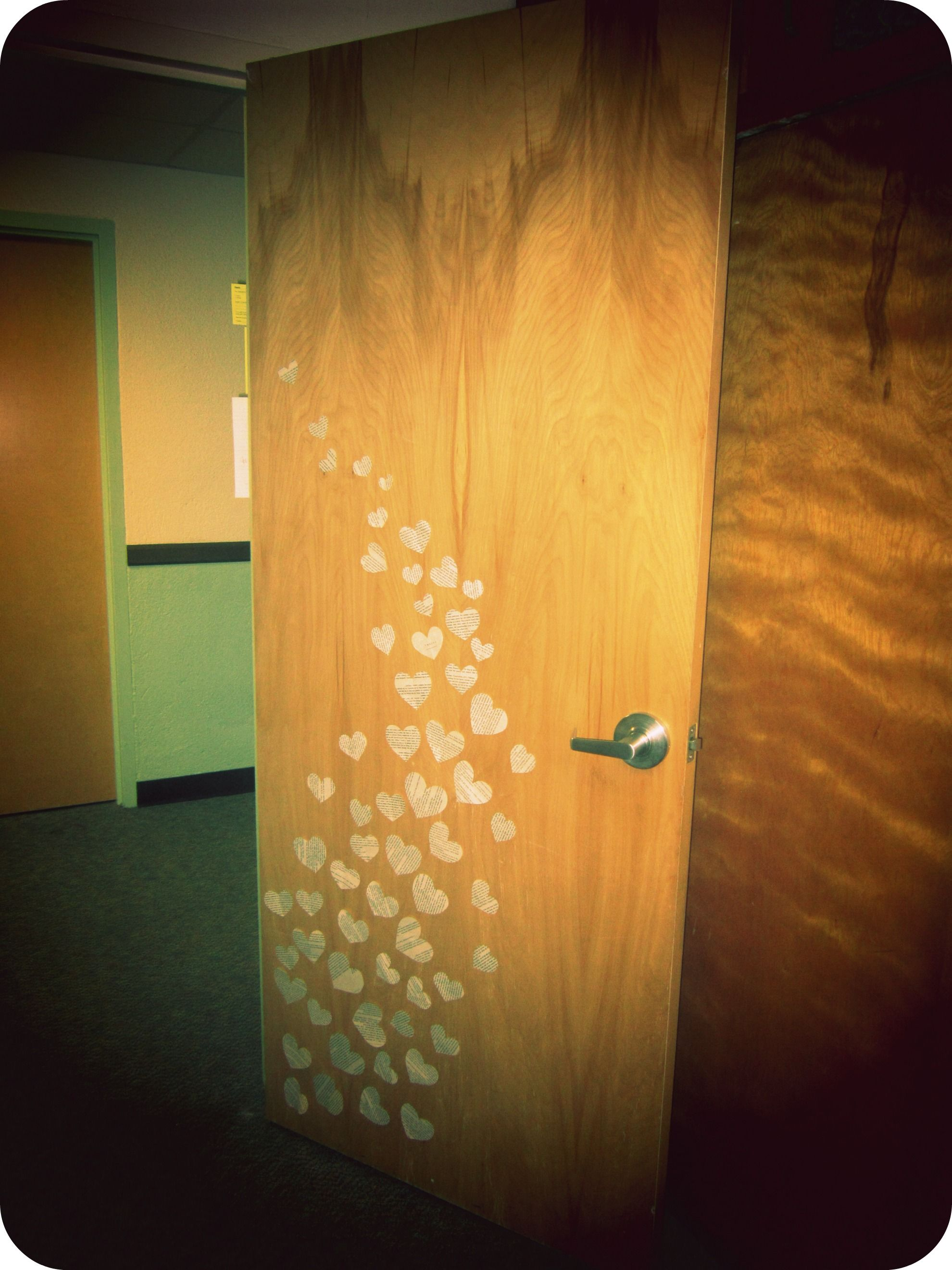 College Door Decorations on Pinterest