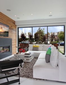 The long sectional in this living room makes entertaining  breeze it also helps that contemporary family roomsacaciamodern interiorsmodern home rh za pinterest