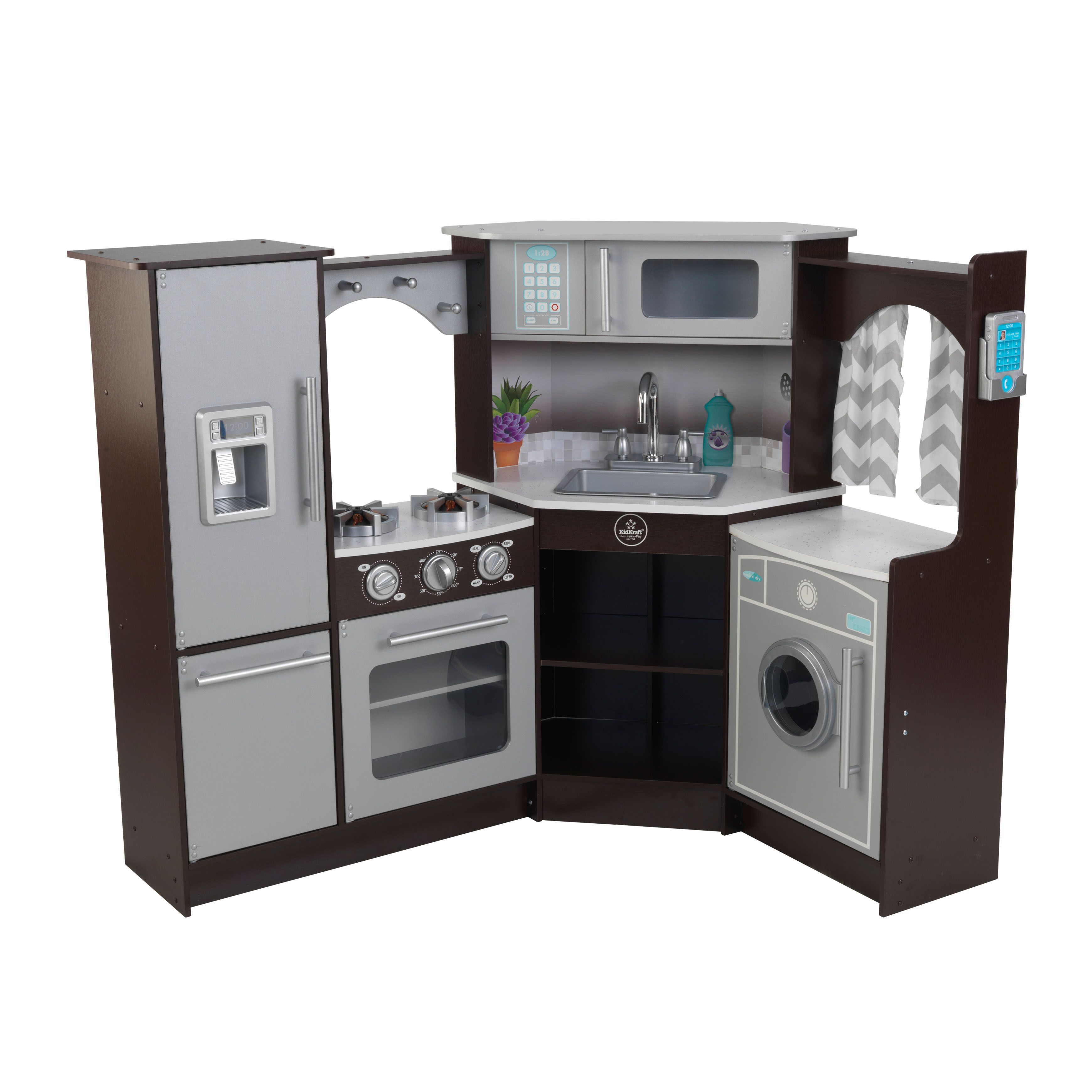 Encourage creative playtime with this toy kitchen which