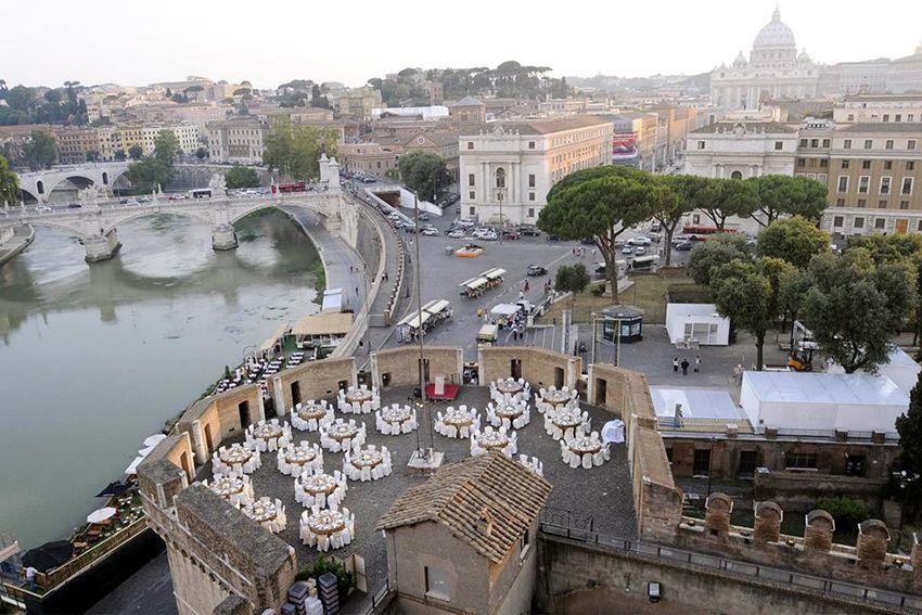 Caffetteria Ristorante Le Terrazze a Castel SantAngelo  Roma  Gente sul Tevere  Pinterest