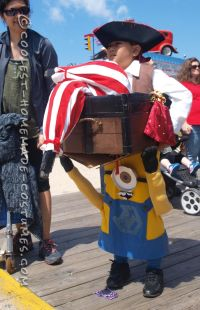 Optical Illusion Costume: A Minion Carrying a Pirate in a ...