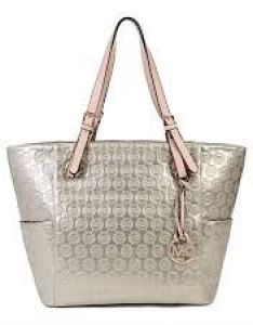 04d7990c3985 Michael kors bags clearance outlet also outfits accessories rh pinterest