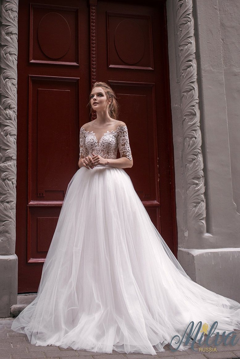 Off the shoulder 3/4 length sleeves ball gown wedding dress #wedding #weddingdress #weddinggown