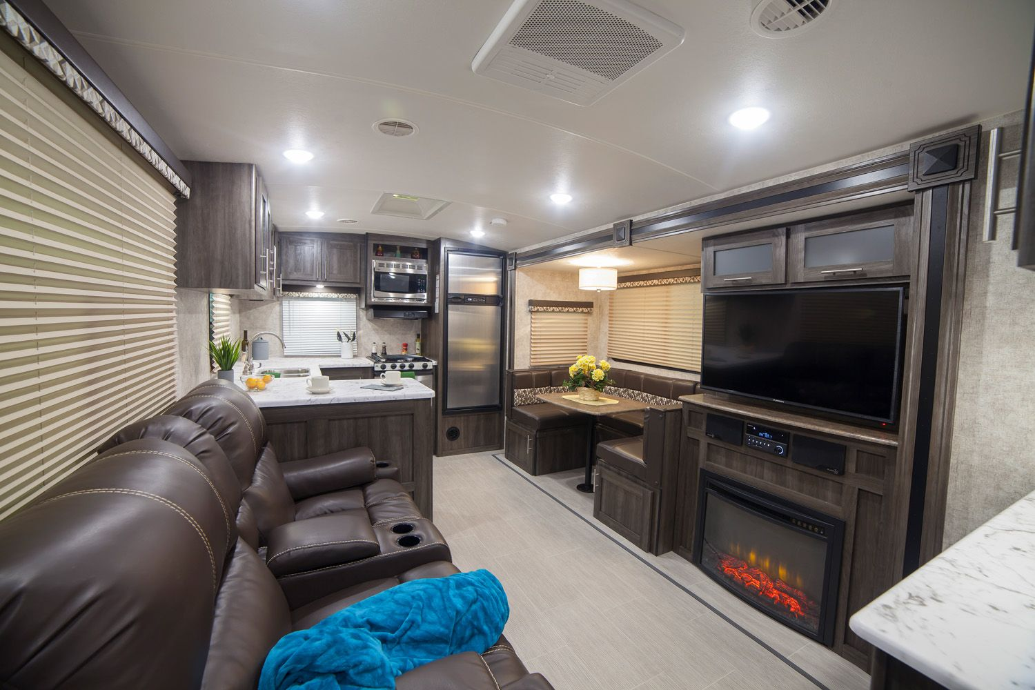 Open Range Light 2804RK Rear Kitchen with Fireplace and