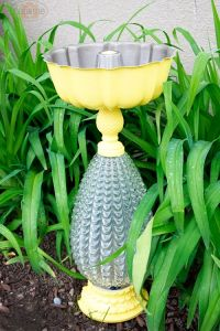 Birdbath, feeder from old lamps and interesting bowls/pans ...