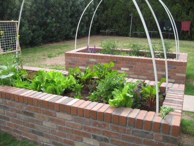 mit backsteinen garten gestalten gartenhaus bauen mit backsteinen, Garten und Bauten