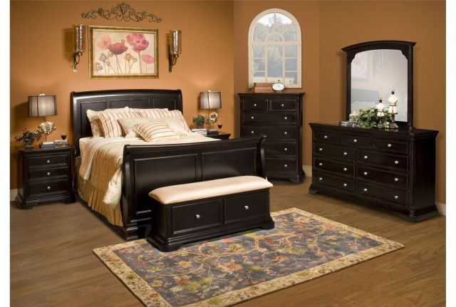 Mary Hill California King Sleigh Bed