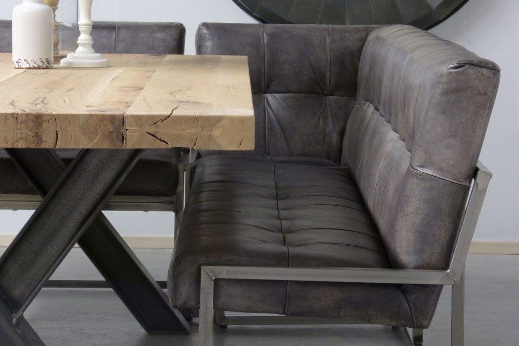 Ideetje voor rond eettafel fiftyfifty stoelen en hoek
