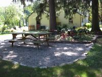 pea gravel patio - stone edging | Garden | Pinterest | Pea ...