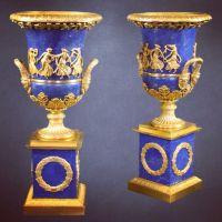 Heuvelmans Interiors gilt bronze and lapis lazuli urns ...