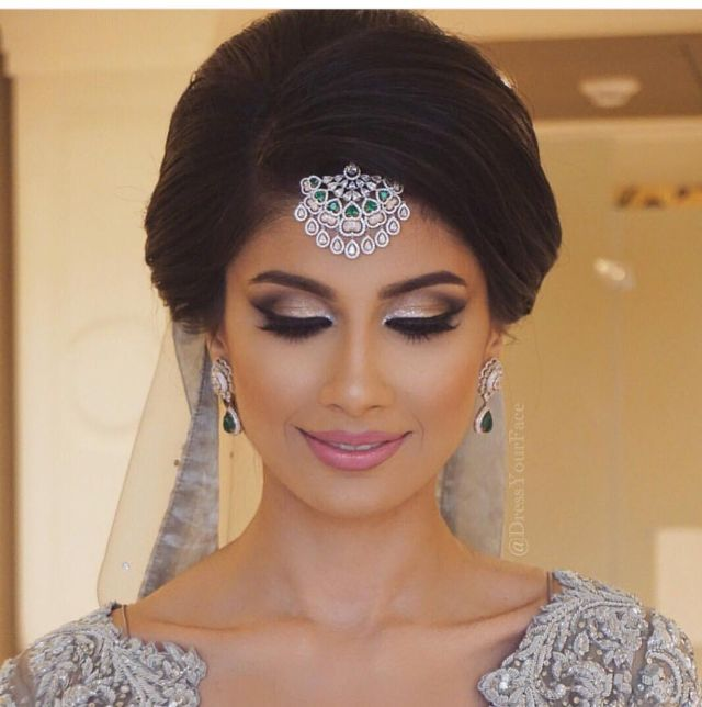 indian engagement hairstyle for round face - satu huruf f