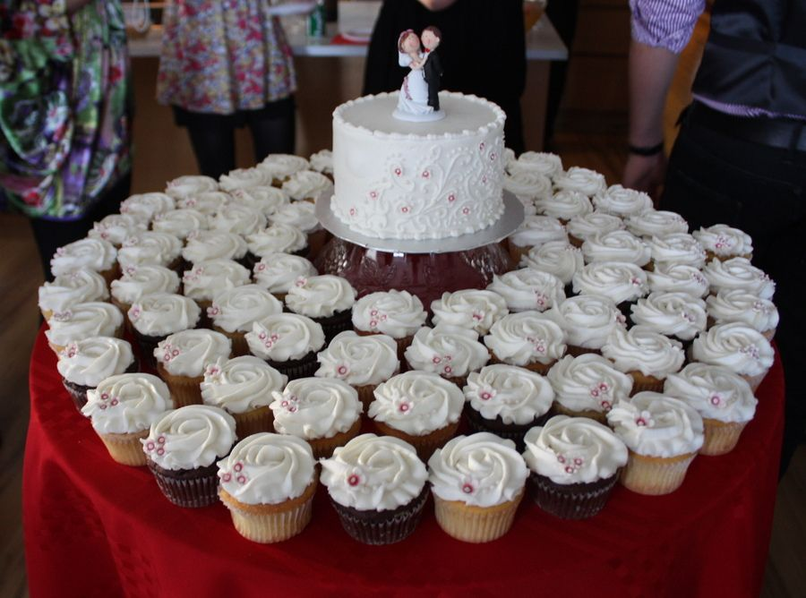 Small Wedding Cakes With Cupcakes