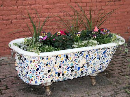Mosaic Bathtub Planter Repurpose A Salvaged Bath As An Outdoor